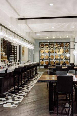 Bar and Restaurant at Hotel Covington